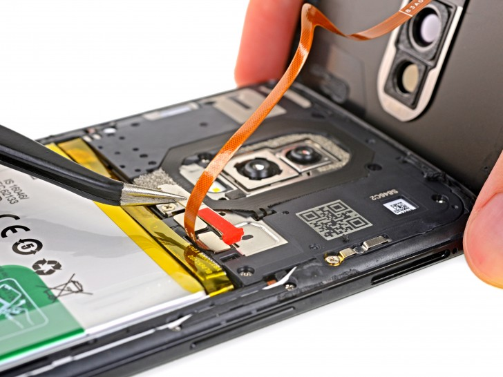 OnePlus 6 teardown shows screen repair is hard, battery