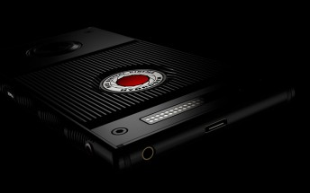 RED's Hydrogen One smartphone to launch on Verizon and AT&T in the summer