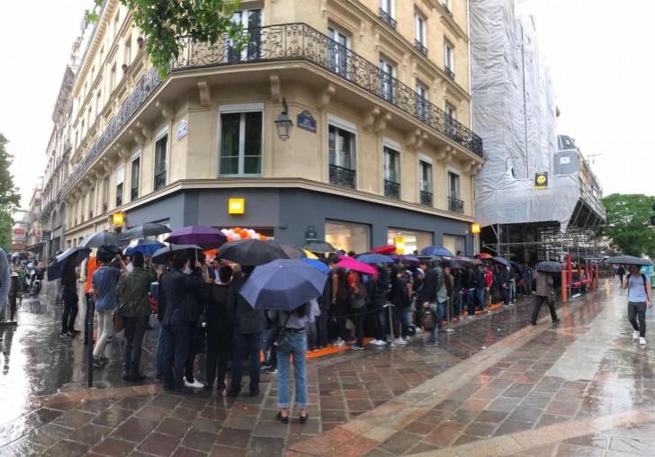 Xiaomi Franta s-a lansat oficial: Fanii brandului s-au aliniat la coada 138