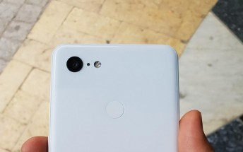 White Pixel 3 XL shines in live photos