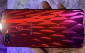 Oppo F9 hands-on image, more promo posters surface ahead of August 15 launch
