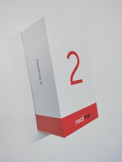Oppo Realme 2 retail box