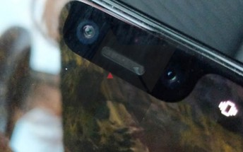 Google Pixel 3 XL gets lost, hands-on pics ensue