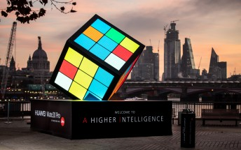 Huawei erects AI-powered Rubik's Cube in London to celebrate the Mate 20 launch