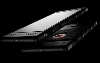 Red Hydrogen One lands at Verizon and AT&T on November 2 for $1,295