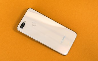 Realme U1, the first Helio P70 phone, debuts with a 25MP selfie camera