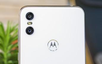 Moto Camera app update brings AR stickers, selfie portrait and spot color