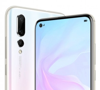 Both phones have the same punch hole screen, similar selfie cameras too