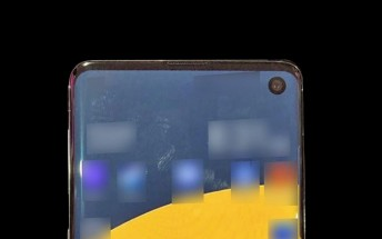 Samsung Galaxy S10 photographed, have a look at its chin and punch hole camera