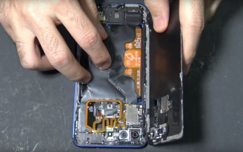 Honor View 20 disassembly video shows easy to replace battery, heatpipe