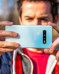 Shooting camera samples with the Galaxy S10+