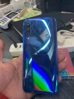 Xiaomi Mi 9 hands-on photos