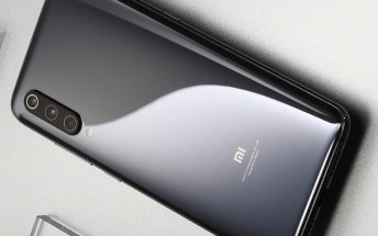 Another official Xiaomi Mi 9 photo surfaces. Price info and camera setup details as well