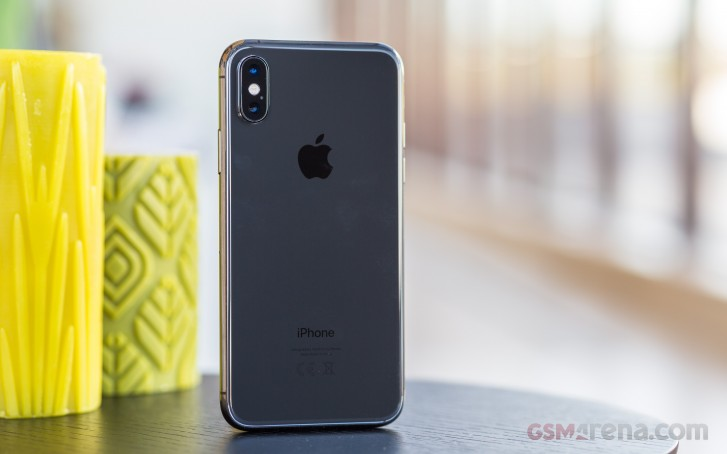 Apple's new iPhones will have a 12-megapixel selfie camera, report claims