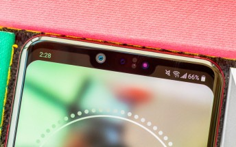 LG files patent for smartphone with three selfie cameras