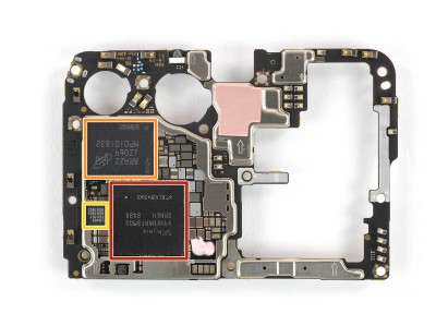 Micron storage chip on the Huawei P30 Pro motherboard (image by iFixit)