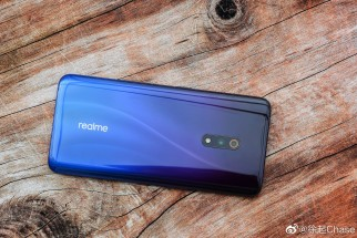 Realme X in Punk Blue & Steam White
