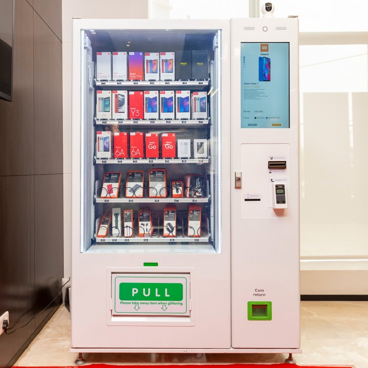 Xiaomi installs a phone-dispensing vending machine in India