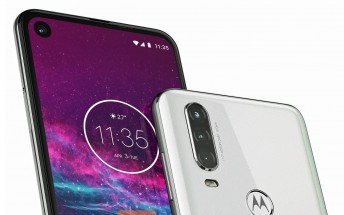 Motorola One Action image shows off triple camera and a punch hole display