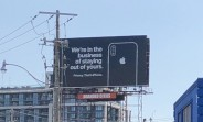 Apple mocks Google's privacy issues with a new billboard