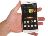 Huawei G8 in the hand - Huawei G8 review