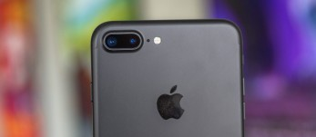 'Apple iPhone 7 Plus review: Hail to the king, baby!' from the web at 'https://cdn.gsmarena.com/imgroot/reviews/16/apple-iphone-7-plus/thumb/-347x151/thumb5.jpg'