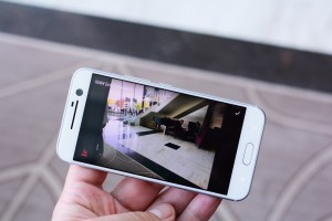 Enhancing a RAW image automatically - HTC 10 hands-on