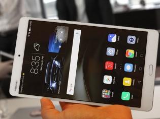 Huawei MediaPad M3 in person