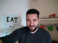 Lowlight selfie without flash - Motorola Moto Z Play review