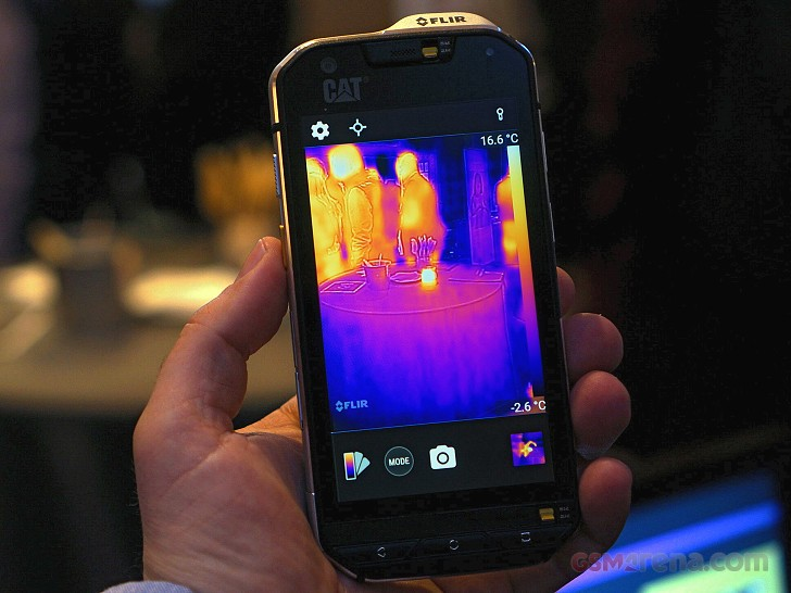 MWC2016 Various Cat S60 review