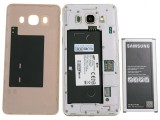 The battery is removable - Samsung Galaxy J5 2016  review