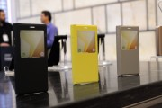 Flip covers are available in many colors - Samsung Galaxy Note7 hands-on