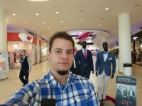 Selfies - Sony Xperia X review