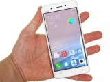 Vivo Xplay5 Elite in the hand - Vivo Xplay5 Elite review