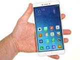 The Mi Max can be held in one hand, but you need two to use it - Xiaomi Mi Max review