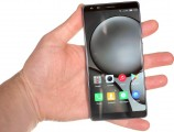 Archos Diamond Omega in the hand - Archos Diamond Omega review