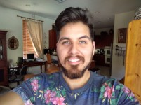Indoor selfie 2 - HDR: On - Blackberry Keyone review