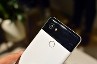 A minimal hump for the new 12MP camera - Google Pixel 2 hands-on review