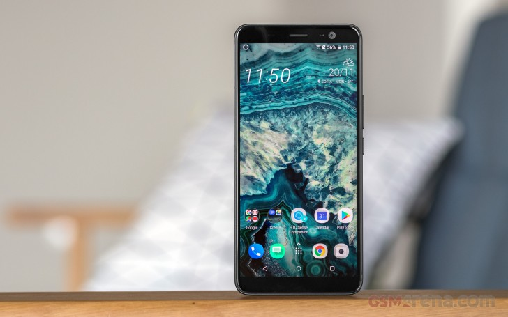 HTC U11 retail box and contents - HTC U11 Plus review