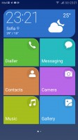 Simple homescreen with a tiled interface - Honor 9 review