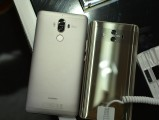 Huawei Mate 10 next to Mate 9 - f/4.0, ISO 220, 1/45s - Huawei Mate 10 hands-on review
