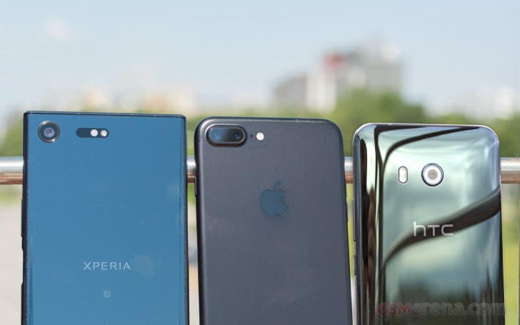 HTC U11, iPhone 7 Plus, Sony Xperia XZ Premium Shootout