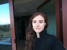 Selfie samples: Normal mode - f/2.2, ISO 50, 1/120s - LG V30 review