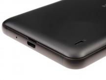 microUSB/loudspeaker - Nokia 2 review