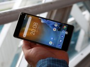 Nokia 8 - Nokia 8 hands-on