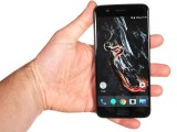 In the hand: OnePlus 5 - OnePlus 5 vs. iPhone 7 Plus vs. Samsung Galaxy S8