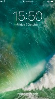 Apple iPhone 7 Plus user interface: Lockscreen - OnePlus 5 vs. iPhone 7 Plus vs. Samsung Galaxy S8