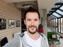 Selfie focus samples - f/1.9, ISO 40, 1/107s - Samsung Galaxy J7 Pro review