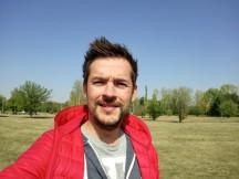 Selfie samples - f/2.0, ISO 125, 1/1330s - Sony Xperia XA1 Plus review