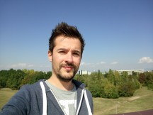 Selfie samples - f/2.0, ISO 125, 1/1534s - Sony Xperia XA1 Plus review